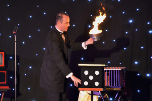stage-magician-simon-vertue-2